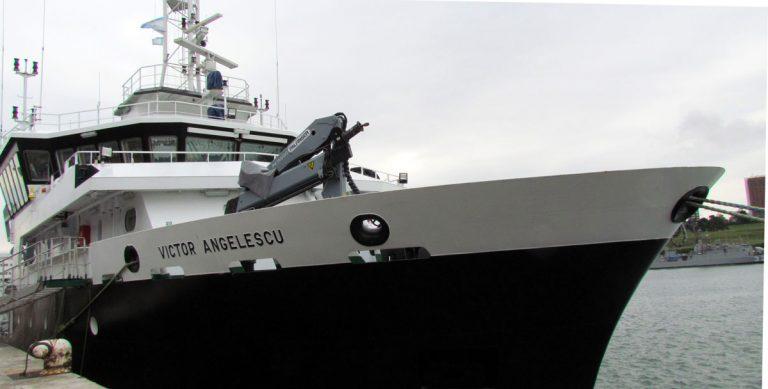 INIDEP investiga el calamar y la anchoíta con los buques Víctor Angelescu y Dr. Eduardo L. Holmberg